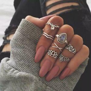 Jewelry - Lotus Midi Rings Set